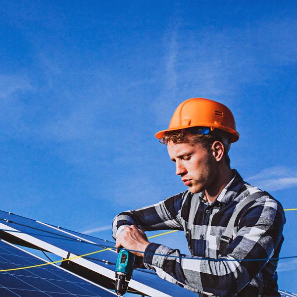 Única empresa da região com equipe interna de Engenheiros Eletricistas e profissionais altamente capacitados